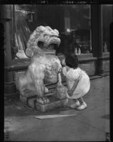 Temple guardian statue in Old Chinatown, Los Angeles (Calif.)