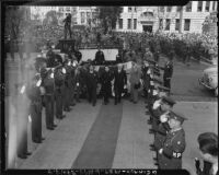 Madame Chiang Kai-shek arrives at City Hall, Los Angeles (Calif.)