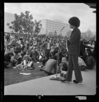 Angela Davis speaks to students at San Fernando Valley State College