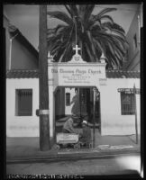 Entryway next to the Mission Plaza Church, Los Angeles, 1953