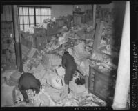 Ransacked Japanese warehouse in Los Angeles (Calif.)