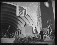 Madame Chiang Kai-shek gives a speech at the Hollywood Bowl