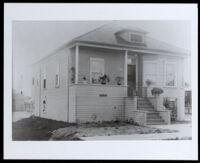 Grubbs family home, Sutter or Sacramento, (copy print made 1930-1989)