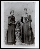 Miss Johnson and Emma Barrett Boyd, Los Angeles, circa 1902