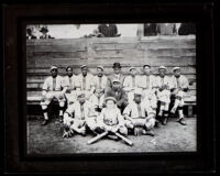 An African American baseball team called the Giants, between 1910-1930