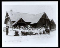 Congregation in front of Westminster Presbyterian Church, Los Angeles, 1910