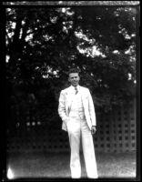 Thelner Hoover standing, 1928