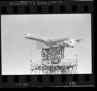Mexicana airliner flying over ASR-7 radar facility in Los Angeles, Calif., 1986