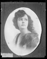 Copy of a portrait of actress Nellie Bayles [aka Bonita Darling], 1924