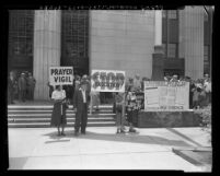Protesters holding prayer vigil at Federal Building in opposition to execution of Ethel and Julius Rosenberg, Los Angeles, Calif., 1953