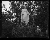 Statue of the Virgin Mary at Los Angeles Mission Gardens in 1926