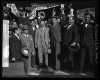 Supporters bid 1928 Mexican presidential candidate Vasconcelos farewell in Los Angeles, Calif.