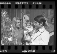 Dodgers' Steve Garvey with wife Cyndy, and baby daughter, Krisha Lee in Los Angeles, Calif., 1974
