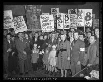 Los Angeles area grocery clerks and their families picketing during 1940 Retail Food Clerks Union strike
