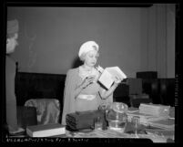 Edna Ballard [aka Lotus Ray King], leader of I AM movement at opening of trial on mail fraud in Los Angeles, Calif., circa 1941