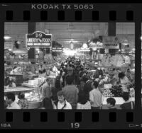 Crowd at Grand Central Market in Los Angeles, Calif., 1987
