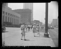 """Pickets at the Los Angeles Federal Building in support of 20 """"conchies"""" arrested for violating the Selective Service Act in 1946"""