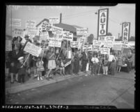 Children picketing Columbia Pictures on behalf of their fathers in 1946 strike