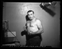 Chris Arnold, muscle man and wrestler in 1947