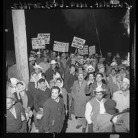 Workers' rallying to demand hourly pay boost in Calexico, Calif., 1961