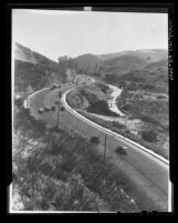 Automobiles on Cahuenga Pass highway in Los Angeles, 1936