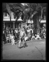 Cowboy performing rope tricks in Pioneer Days Parade in Santa Monica, Calif., 1931