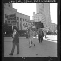 Iranian students picketing in front of Federal Building Los Angeles, Calif., 1962
