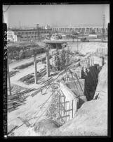 Construction of Hollywood and Santa Ana freeways, looking north (toward City Hall), Los Angeles, 1946
