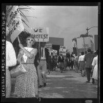 Pickets at Beverly Hilton protesting Madame Ngo Dinh Nhu's visit to United States, 1963