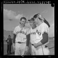 Los Angeles Angels' manager Bill Rigney with pitchers Dean Chance and Bo Belinsky, 1964
