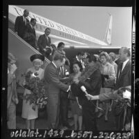 Los Angeles Mayor Samuel Yorty greeting Philippines President Diosdado Macapagal, 1964