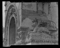 Know Your City No.15 Lionesses on archway of entrance to the Selig Zoo Los Angeles, Calif.