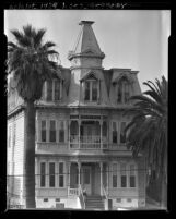Know Your City No.54 The Rochester, a Victorian apartment house at 1012 W Temple St. Los Angeles, Calif.