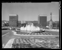 Fountain and the two Gateway Buildings along Avenue of the Stars in Century City (Los Angeles), 1965