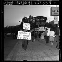 People picketing outside segregationist Citizens' Council at the Los Angeles Breakfast Club, 1964