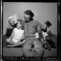 Harry Burnett of Turnabout Theater and Yale Puppeteers, entertaining two youngsters, 1965