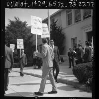 Teachers picketing Grant Elementary School over  extra work without pay in Los Angeles, Calif., 1966
