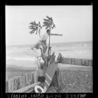 Teresa Thomas and John Armistead at the Beach Club in Santa Monica, Calif., 1966