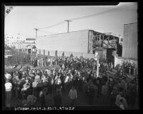 Strikers at back gate of Paramount Studio in Los Angeles, Calif., 1945