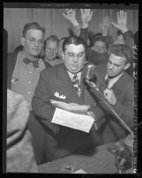 D. D. McClurg announcing end of Pacific Electric strike in Los Angeles, Calif., 1946