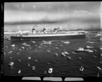 Queen Mary steamliner sailing into Long Beach, Calif., 1967