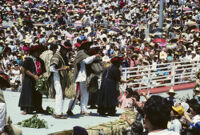 Mixistlán, performers throwing gifts to spectators, 1985