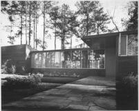 O'Brien House, exterior entrance