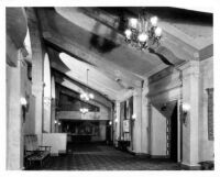 Fox Theatre, Bakersfield, foyer