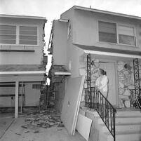 House split in half by landslide in Pacific Palisades, Los Angeles, 1969