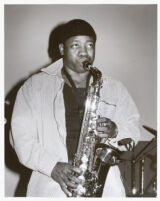 Keith Anderson playing sax in Los Angeles, April 1999 [descriptive]