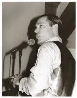 Kurt Elling singing in Los Angeles [descriptive]
