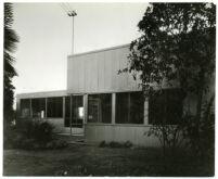 Beard House, exterior side view, Altadena, California, 1934