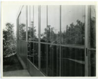 Beard House, exterior close-up of windows reflecting landscape, Altadena, California, 1934