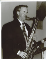 Scott Hamilton playing the tenor saxophone, Los Angeles [descriptive]